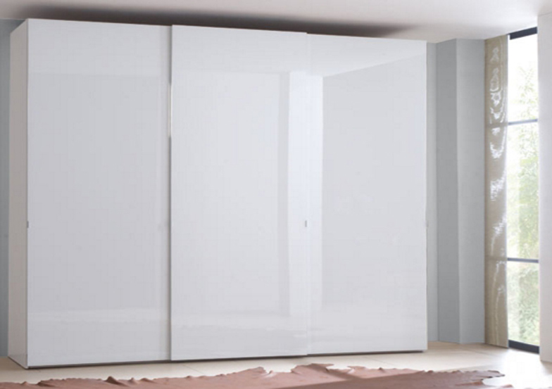 Шкаф угловой белый.
